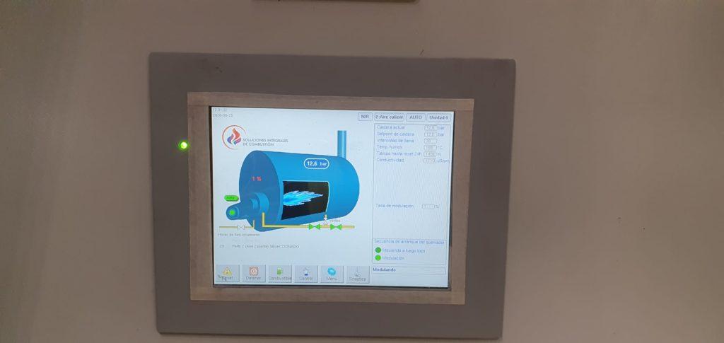 Panel digital para el manejo del equipo generador de vapor | Puesta en marcha de calderas industriales | Soluciones de Combustion