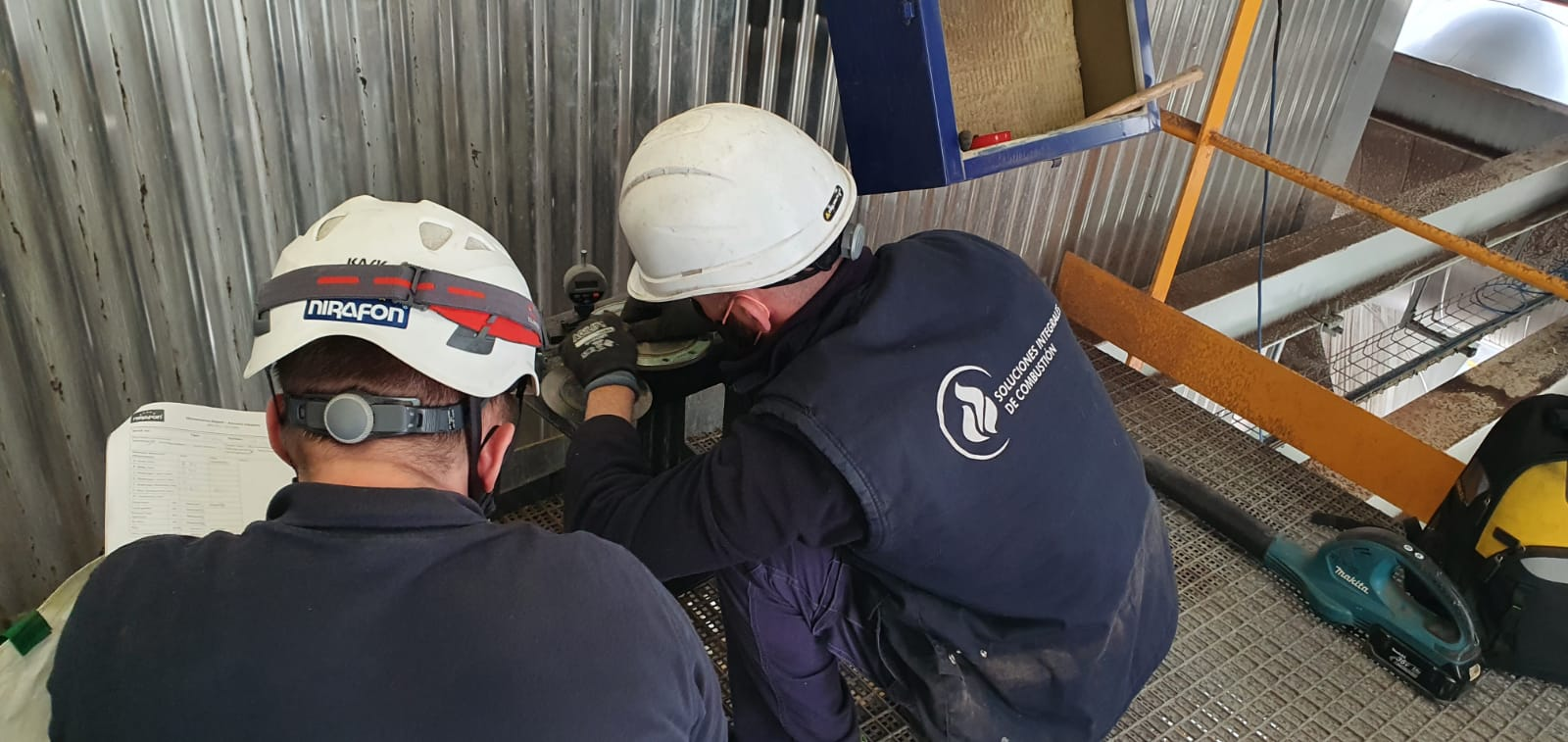 Acoustic cleaning equipment in the boiler of a biomass plant - Soluciones Integrales de Combustion